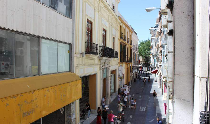 Calle-o-donnell--3-sevilla-spain-1