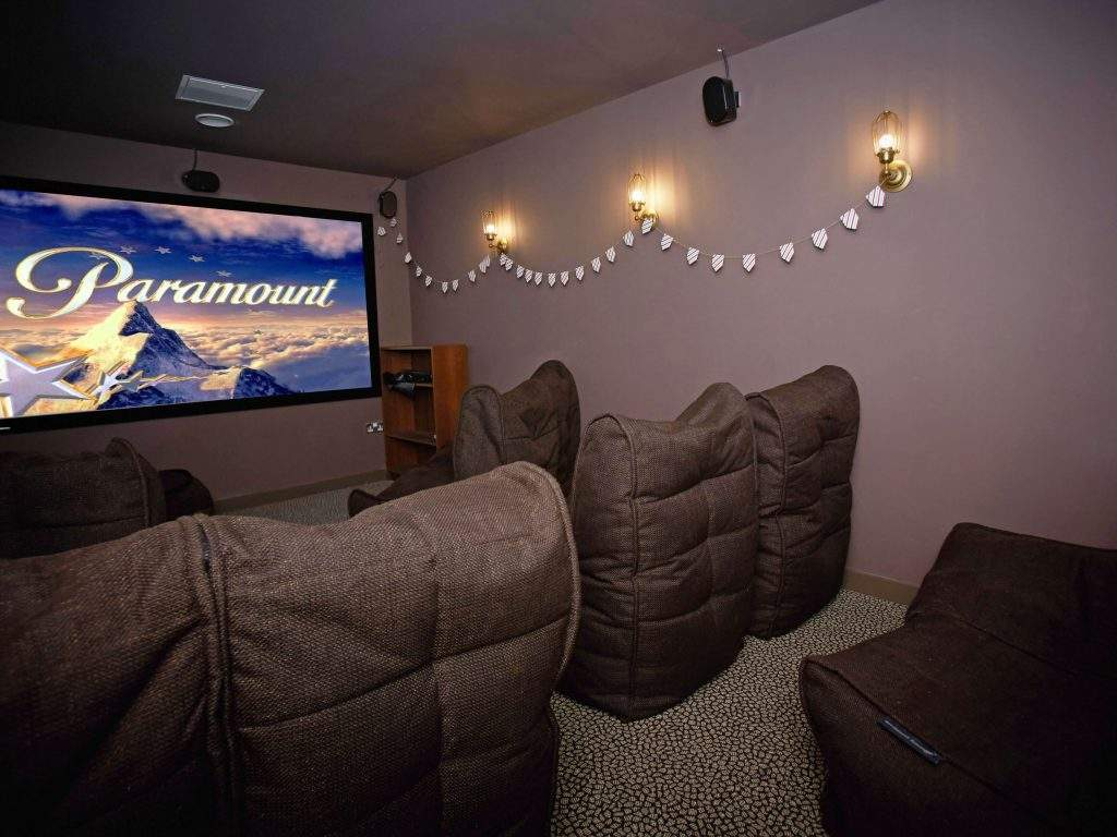 Glasgow-woodside-house-cinema-room-1600-x-1200-1024x768