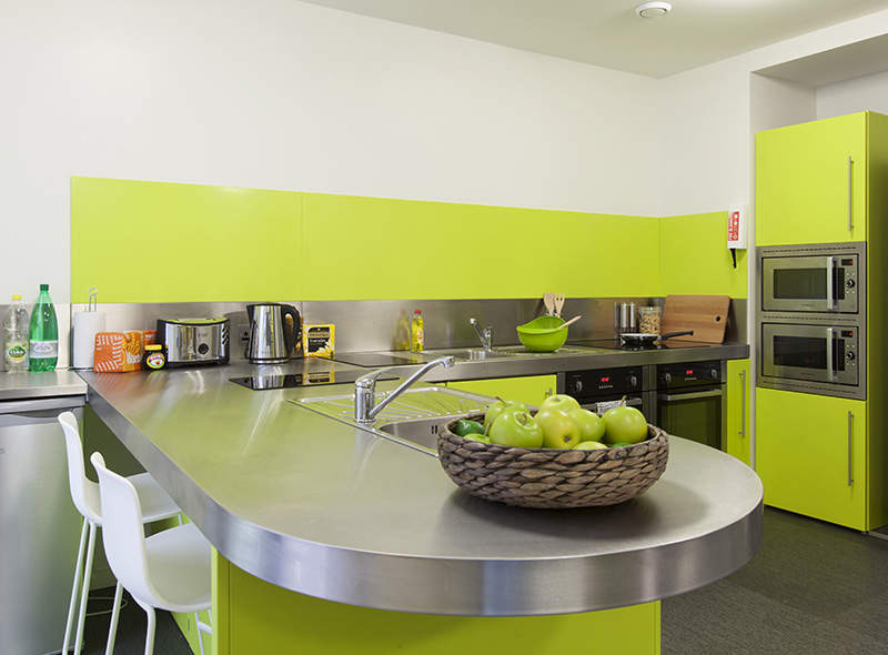Shared_kitchen_2