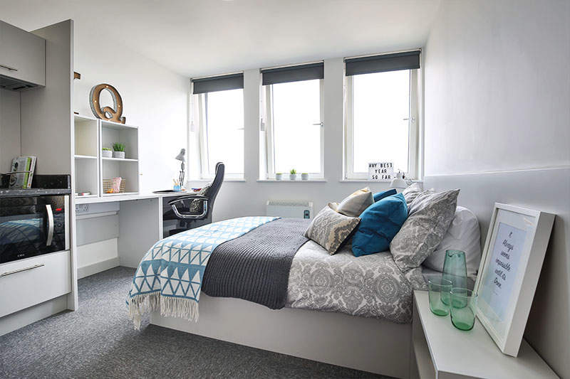 Iqnewland_bronzeplusbedroom2_gallery_2