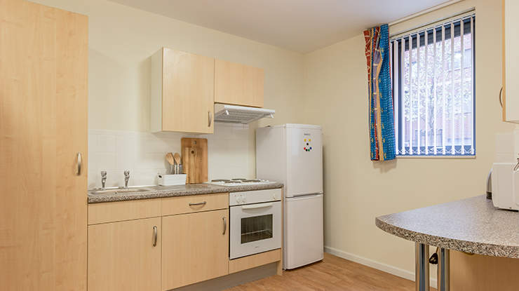 Unite-students-piccadilly-point-classic-studio-kitchen-2