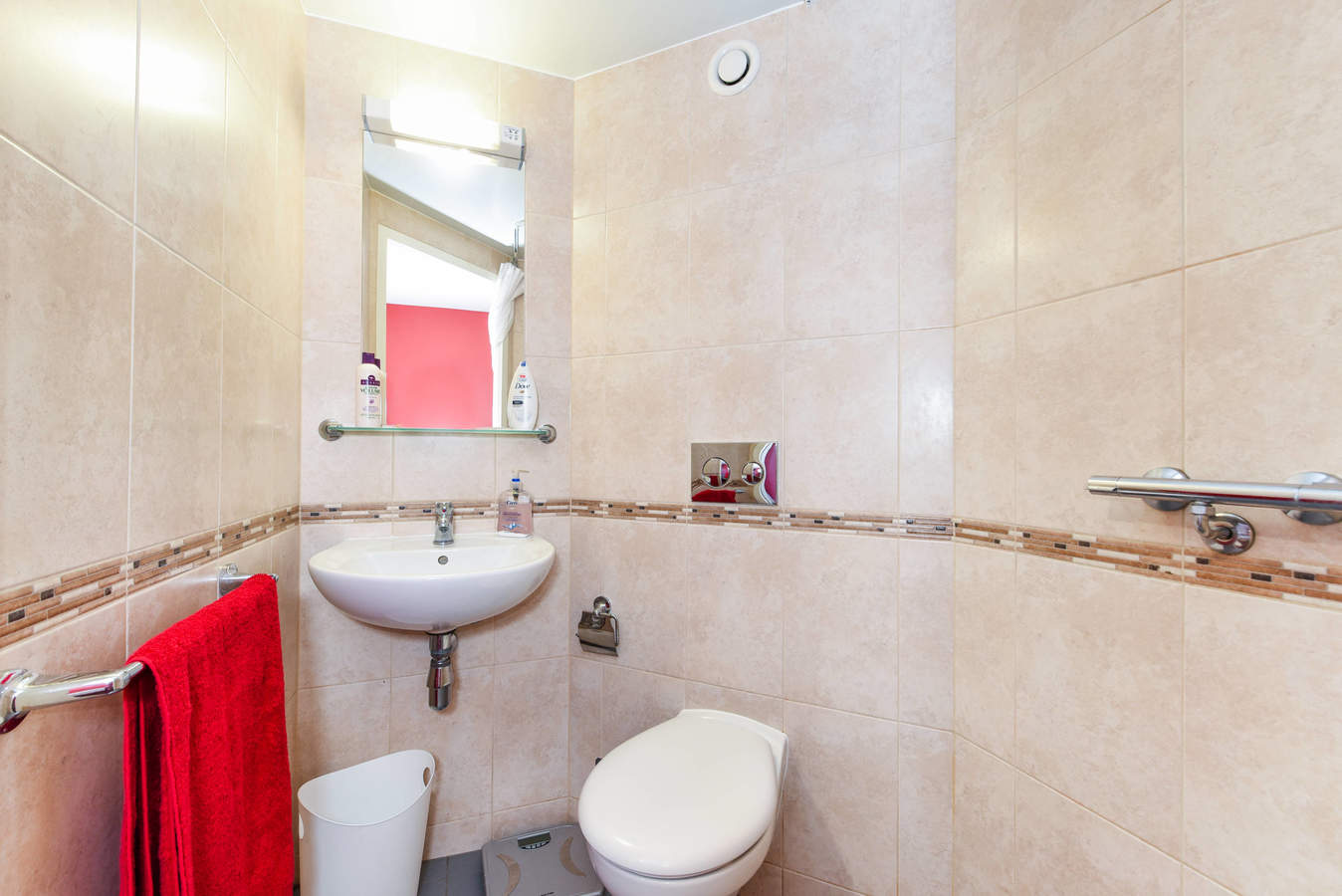 Nottingham_-_two_ensuite_a005b-6_converted