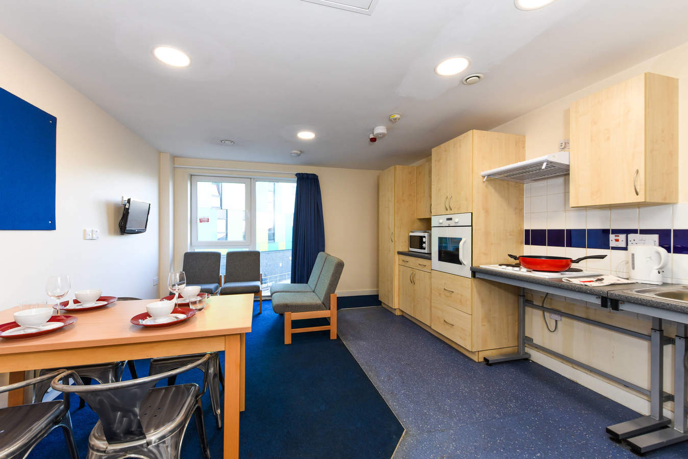 Nottingham_-_two_ensuite_kit_a005_converted