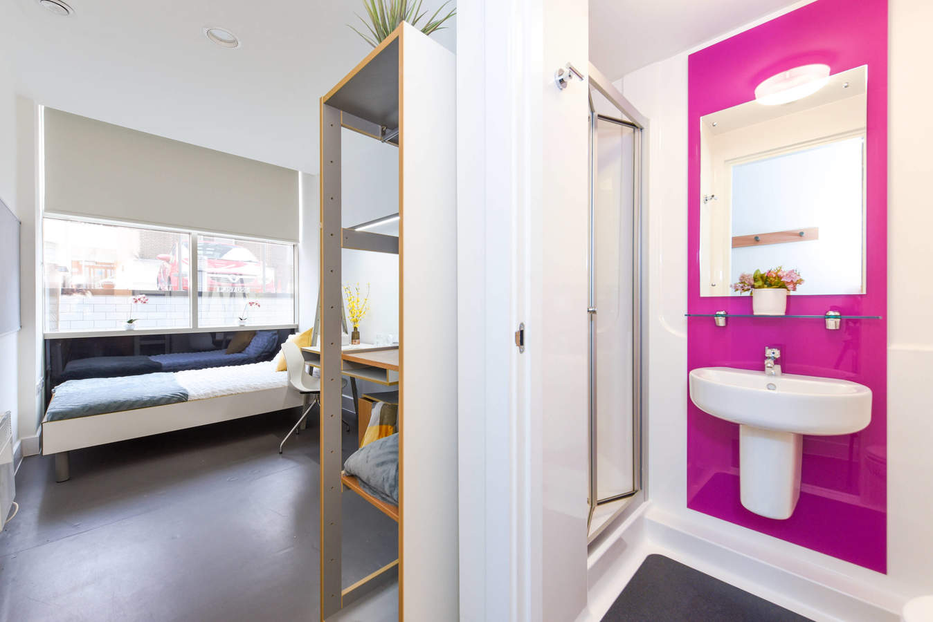 Birmingham_-_the_old_fire_station_ensuite-2_converted