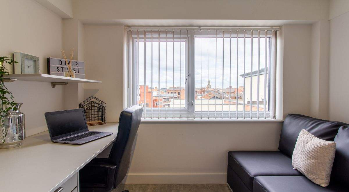 4-student-acccommodation-dover-street-apartments-classic-ensuite