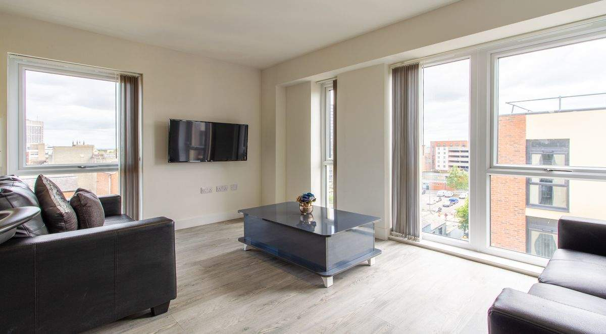 7-student-accommodation-dover-street-apartments-shared-kitchen