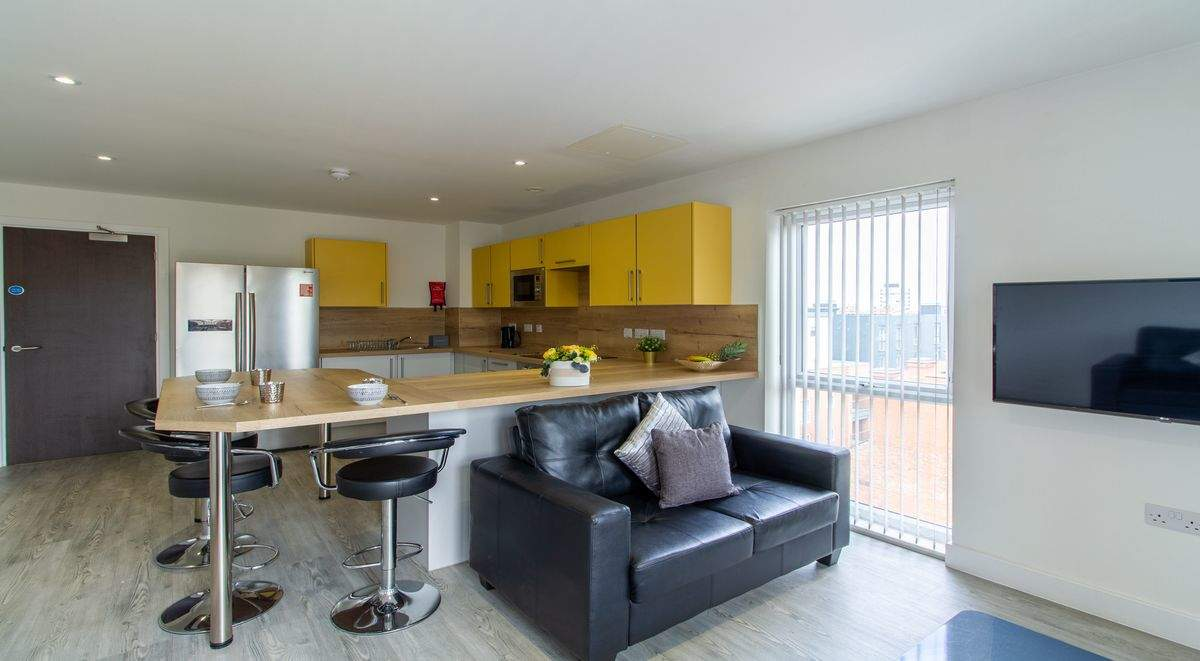 5-student-accommodation-dover-street-apartments-shared-kitchen