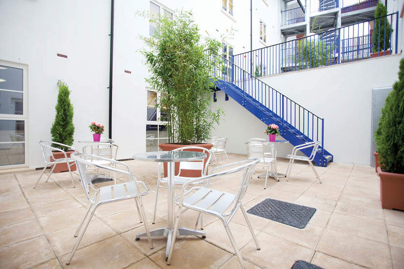 Exeter_student_accommodation_iron_bridge_studios_couryard_2