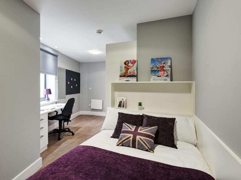 Fresh-student-living-chester-tramways-04-bronze-en-suite-photo-04-1024x768