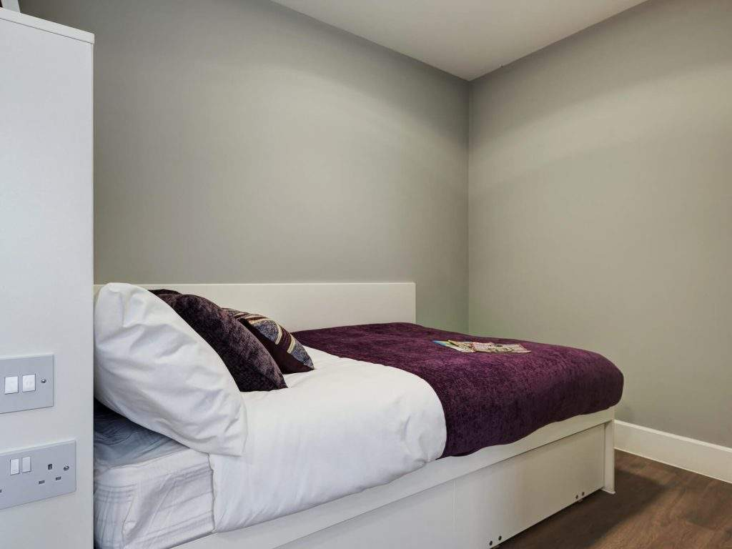 Fresh-student-living-chester-tramways-04-bronze-en-suite-photo-03-1024x768