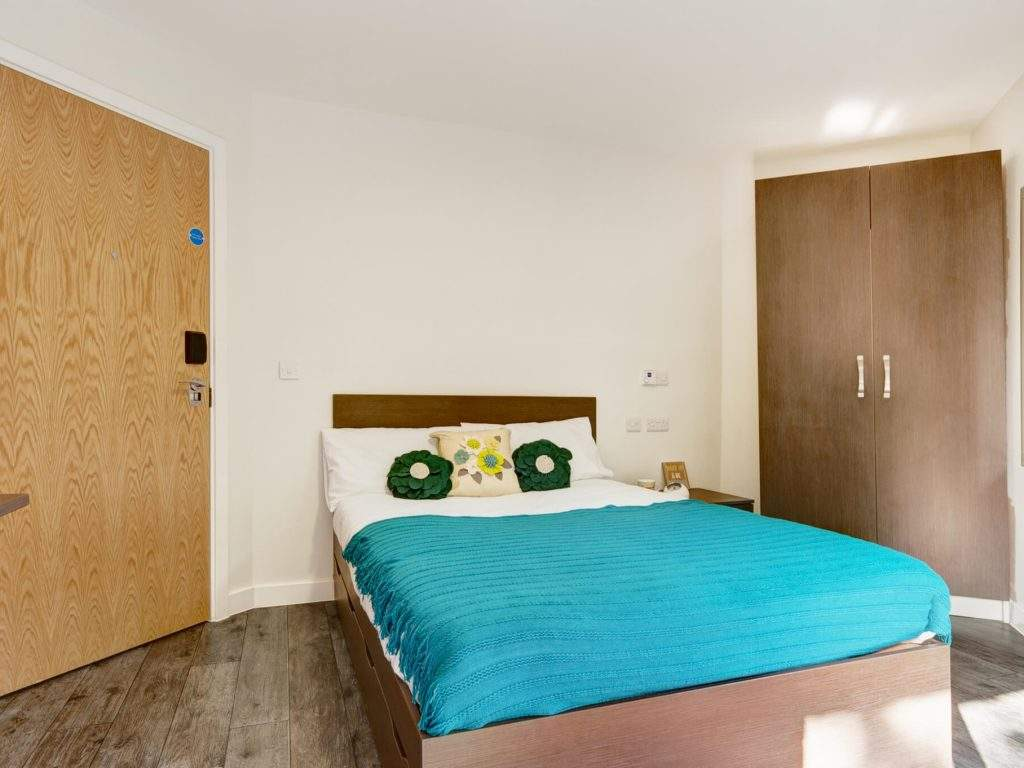 26-fresh-student-living-sheffield-cornerhouse-06-twodio-bedroom-photo-03-1024x768