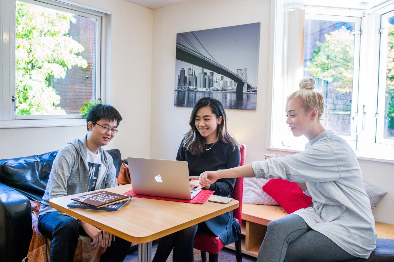 Cc_-_lounge_with_students_04_(low_res)