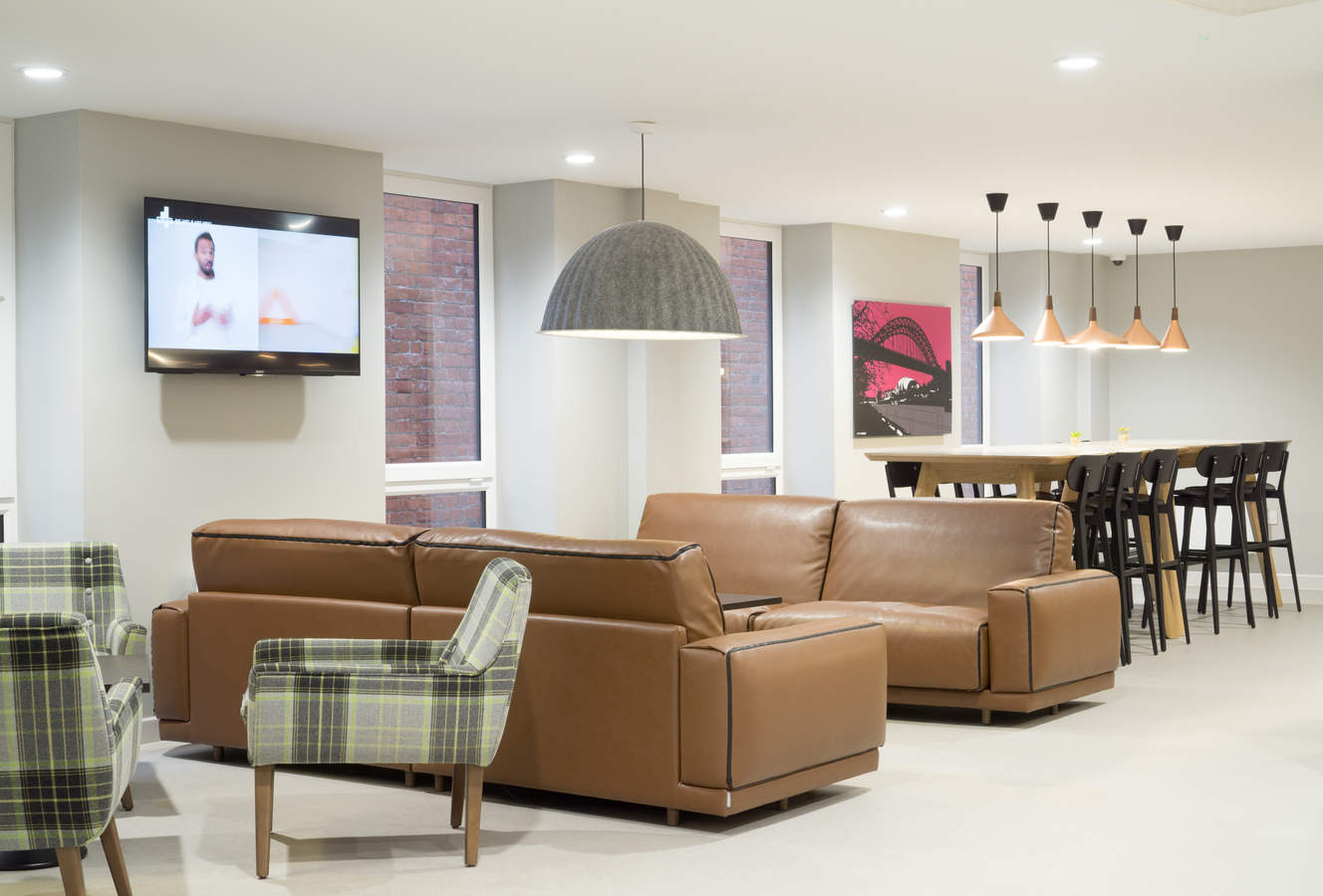 3.residents_lounge