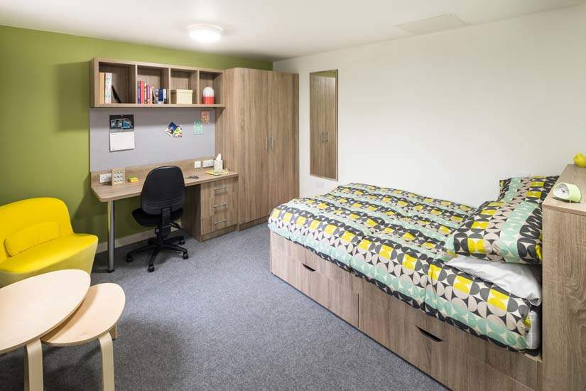 Birmingham_student_accommodation_selly_oak_student_quarter_crm_students__5_