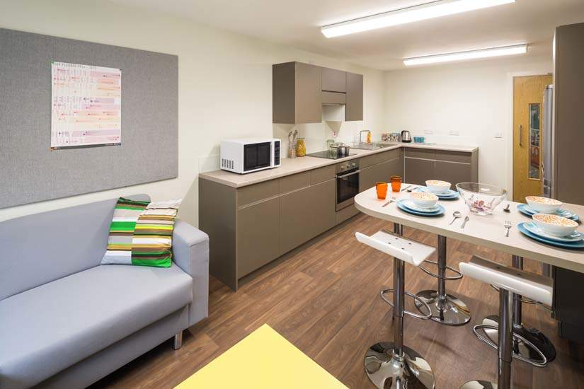 Birmingham_student_accommodation_selly_oak_student_quarter_crm_students__9_