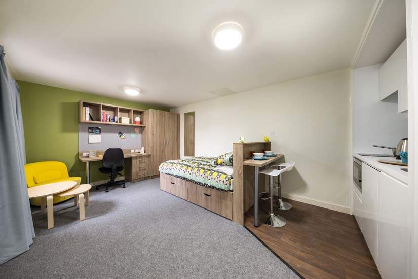 Birmingham_student_accommodation_selly_oak_student_quarter_crm_students__4_