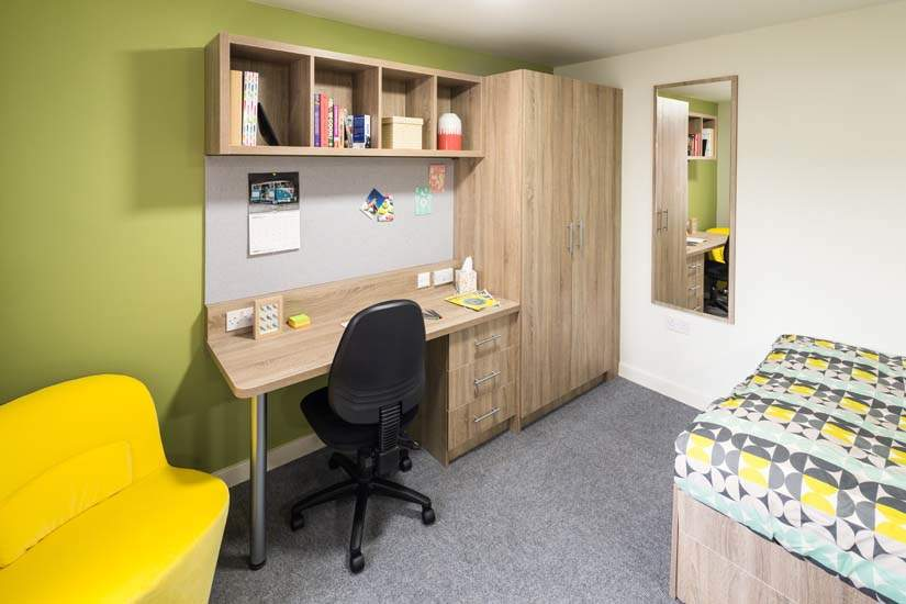 Birmingham_student_accommodation_selly_oak_student_quarter_crm_students__6_