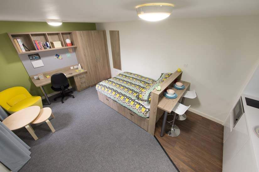 Birmingham_student_accommodation_selly_oak_student_quarter_crm_students__3_
