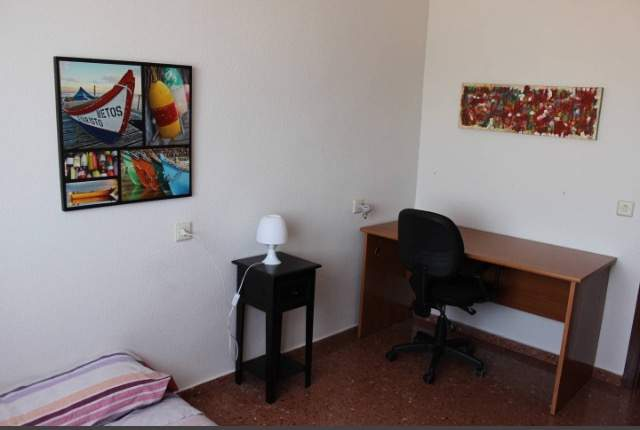 Carrer-de-la-guardia-civil-val%c3%a8ncia-spain-1