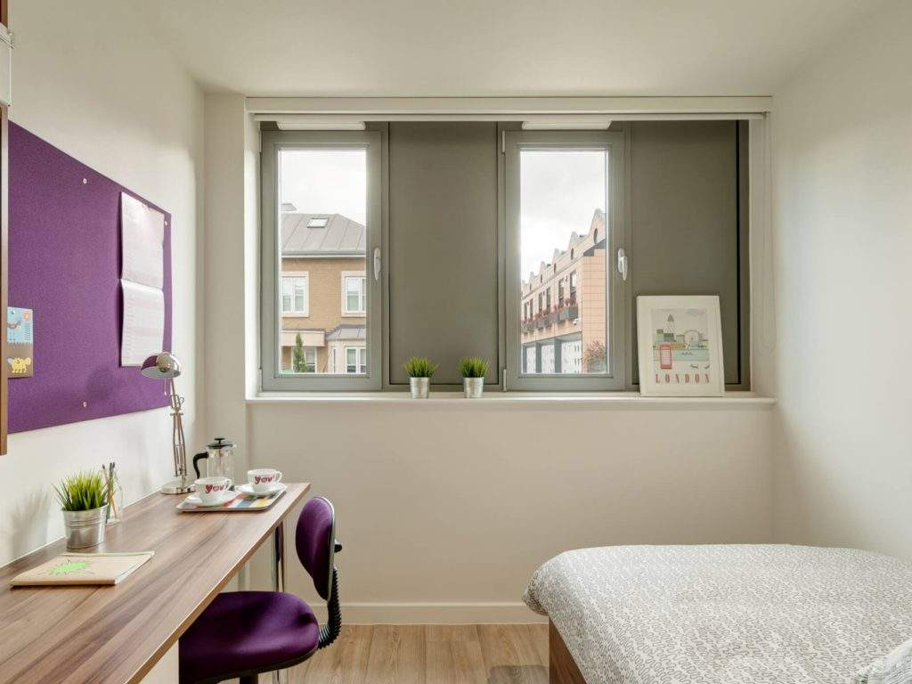 17-fresh-student-living-london-central-studios-ealing-03-studio-photo-07-1024x768