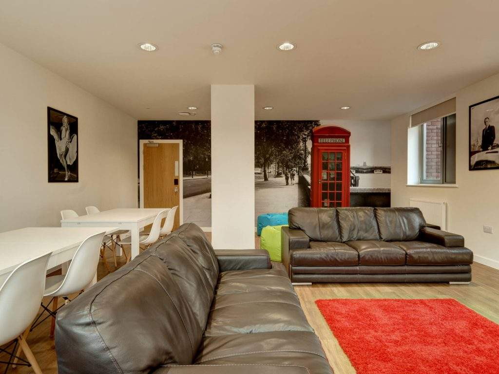 08-fresh-student-living-london-central-studios-ealing-02-social-space-photo-04-1024x768