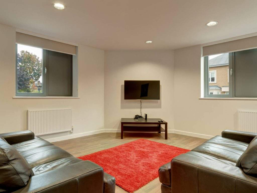 10-fresh-student-living-london-central-studios-ealing-02-social-space-photo-06-1024x768