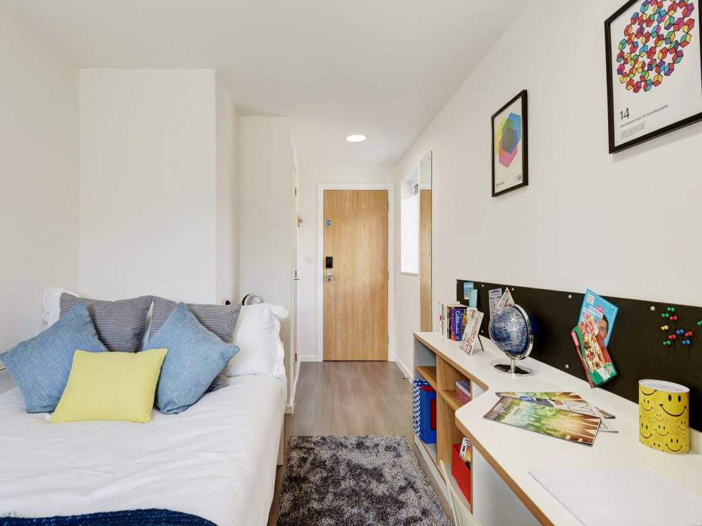 Fresh-student-living-leicester-merlin-heights-06-shared-flat-bedroom-photo-05-1024x768
