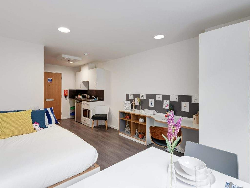 Fresh-student-living-sheffield-sharman-court-07-studio-photo-07-1024x768