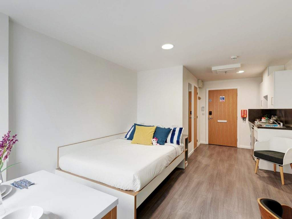 Fresh-student-living-sheffield-sharman-court-07-studio-photo-06-1024x768